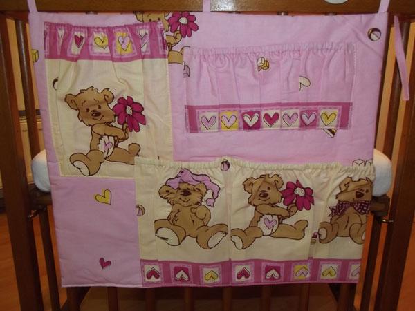 Kapsář na postýlku Veselý medvídek růžová - Kapsáře